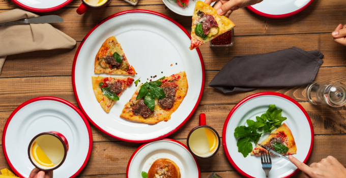 How To Host Pizza Party?